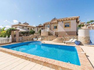 Stunning 3 bed 2 bath Villa with Private Pool