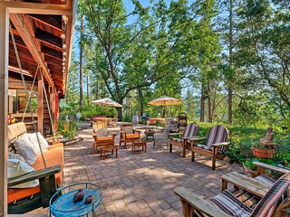 Murphys House on 12 Acres of Forested Land w/Patio