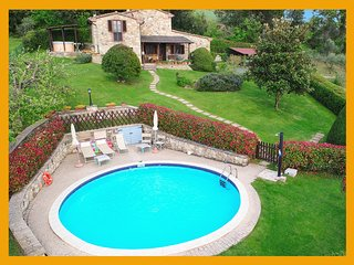 Private Tuscany Villa Centopino with pool jacuzzi for honeymoon & summer holiday
