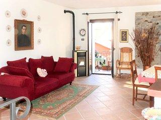 2 bedroom Villa with Walk to Shops - 5775467