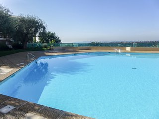 1 bedroom Apartment with Pool, WiFi and Walk to Shops - 5806760