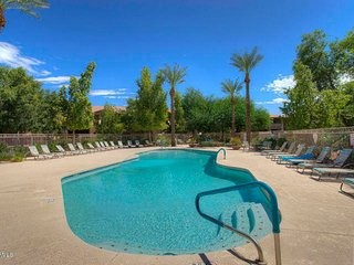 Perfect Chandler Large Condo! 2 Master Suites! Close to Everything! 30 Night Min