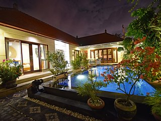 Beautiful spacious two bedroom (en suites) pool villa in central Sanur