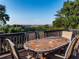 Oak View--Oak-Studded Views that Go On Forever