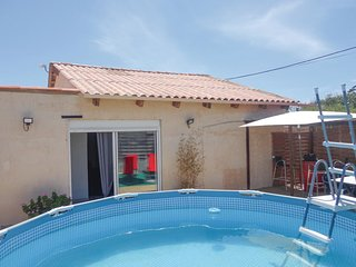 Amazing home in Serignan Plage w/ WiFi, Outdoor swimming pool and 2 Bedrooms