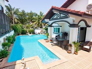 5 Bed Villa Fisherman's Village, Bo Phut Beach. Private Pool * Sleeps up to 13 *