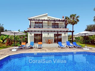 Villa with Private Pool & Garden Short Walk to the Sea (250m) and the Ship wrack