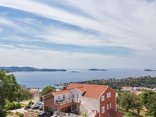 Apartments Bella Vista - Premium Two Bedroom Apartment with Two Balconies and