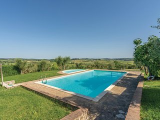 Awesome home in Castellina in Chianti w/ Outdoor swimming pool, WiFi and 2 Bedro