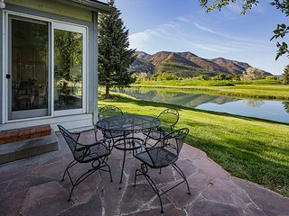 Dalton Ranch Home on 12th Fairway - Water and Mountain Views