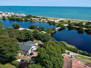 Beautiful Popponesset Beach Retreat on Deans Pond – 200 Yards to the Ocean