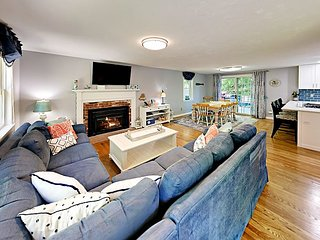 Remodeled Retreat w/ Expansive Deck & Fire Pit - Near Village & Loop Beach