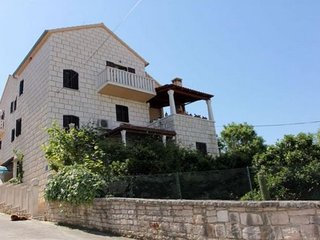Two bedroom apartment Sutivan (Brač) (A-17537-b)