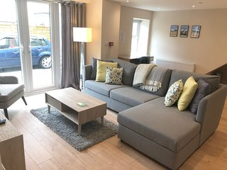 Bright and spacious,modern apartment in the Heart of Laxey Village - Isle of Man