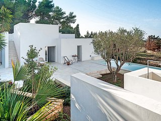 2 bedroom Villa with Pool, Air Con and WiFi - 5806216