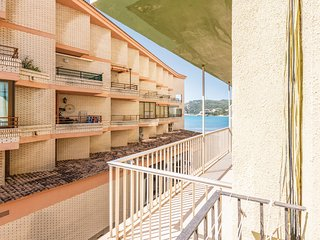 Stunning apartment in Oropesa del Mar w/ 3 Bedrooms