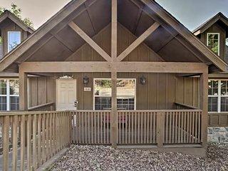 2 BD 2 BA Branson Area Cabin Near Silver Dollar City & Branson Strip Sleeps 6