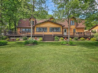 NEW! Large Home on Lake Edward w/ Deck & Fire Pit!