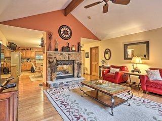 Resort Home w/Hot Tub <6 mi to Bushkill Falls