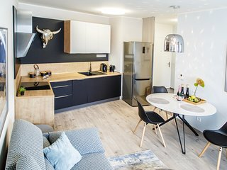 The Town Hall Residence -Welcome Home Apartment -free parking