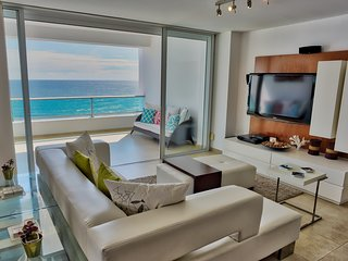 Unique Ocean View Condo for 8 (822)