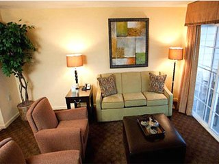 2BR Suite Next to Top-rated dining and shopping