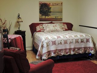 Cozy and Quaint at Nashville's Village by the Lake