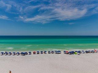 Spacious condo w/ partial ocean views, beach access, & shared pools/hot tub!