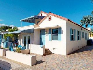 NEW LISTING! Ocean view home 1/2 block to beach w/balcony & garden patio-dogs OK