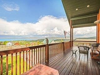 Cozy cabin w/ great lake view & wrap-around deck - near golf and Bear Lake!