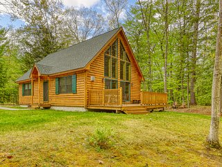 NEW LISTING! Peaceful 2012-built cabin w/ community beach access on Saco River!