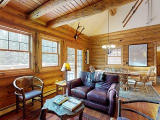Comfortable ski home with a private hot tub, 2 miles to skiing!