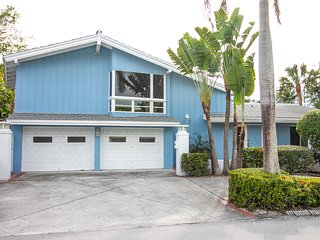 NEW LISTING! Beachside home w/ great location steps away from the sand