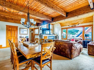 Condo w/private hot tub, ski-in/ski-out, near Mtn. Village Plaza