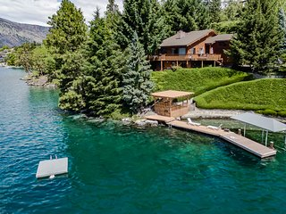 Lakefront cabin with breathtaking views and a private dock!