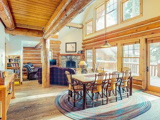 Ski-in/ski-out log home with private hot tub! Great mountain views