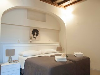BELLEDONNE Stylish Apartment in the heart of Florence