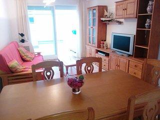 Apartamento de 3 dormitorios, en el centro a 200 mtrs de la playa.