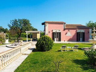 Fontane Bianche Villa Sleeps 6 with Pool Air Con and WiFi - 5805723