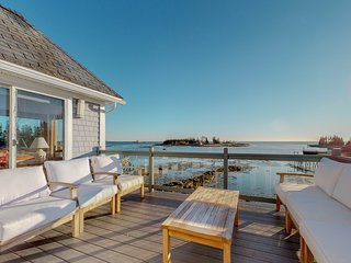 NEW LISTING! Stunning oceanfront cottage w/ private deck and ocean views!