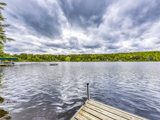 NEW LISTING! Dog-friendly cabin with lakefront location, 20' dock, smart TV
