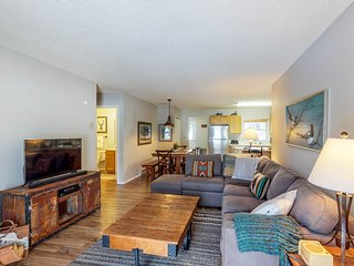 NEW LISTING! Comfortable Big Sky condo across the street from lift!