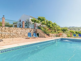 Awesome home in Periana w/ Outdoor swimming pool, WiFi and Outdoor swimming pool