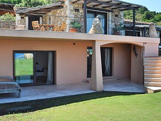 Pantogia Villa Sleeps 12 with Pool Air Con and WiFi