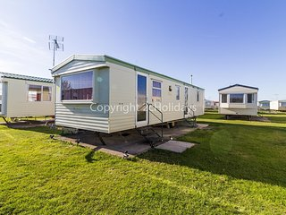 6 berth caravan for hire at Martello caravan park near Clacton on Sea.29037Y