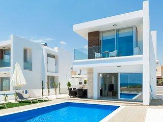 Cyprus Holiday Villa SUNSHINE Profile