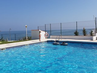 BEACH HOUSE WITH LOVELY SEA VIEWS PLAYA PARAISO - 4 BEDROOMS 50 MITRES TO SEA