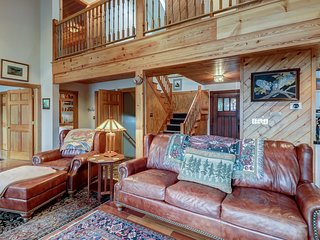 NEW LISTING! Enormous lakefront house with high-end touches, private dock