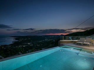 FabView (Luxury Villa)