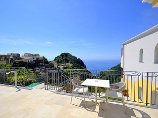 Pontone Villa Sleeps 2 with Pool Air Con and WiFi - 5807177